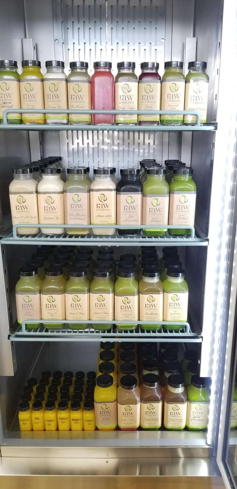 Raw Creations Juice Company - restaurant  | Photo 4 of 10 | Address: 18417 TX-105, Montgomery, TX 77356, USA | Phone: (936) 582-1729