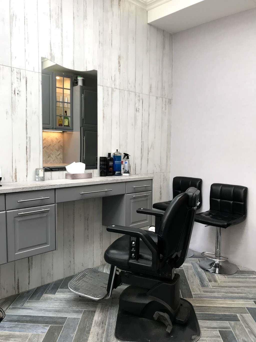 West Village Barber Shop - hair care  | Photo 2 of 6 | Address: 131 Christopher St, New York, NY 10014, USA | Phone: (212) 243-3686