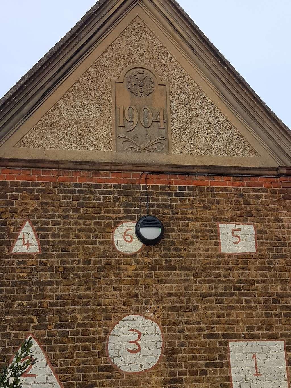 Telferscot Primary School - school  | Photo 6 of 10 | Address: Telferscot Rd, London SW12 0HW, UK | Phone: 020 8673 7362