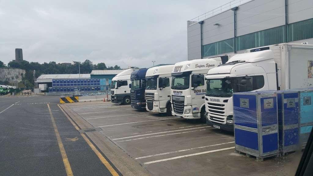 Lidl Northfleet Regional Distribution Centre (RDC) - storage  | Photo 2 of 10 | Address: Crete Hall Rd, Northfleet, Gravesend DA11 9BU, UK | Phone: 0800 977 7766