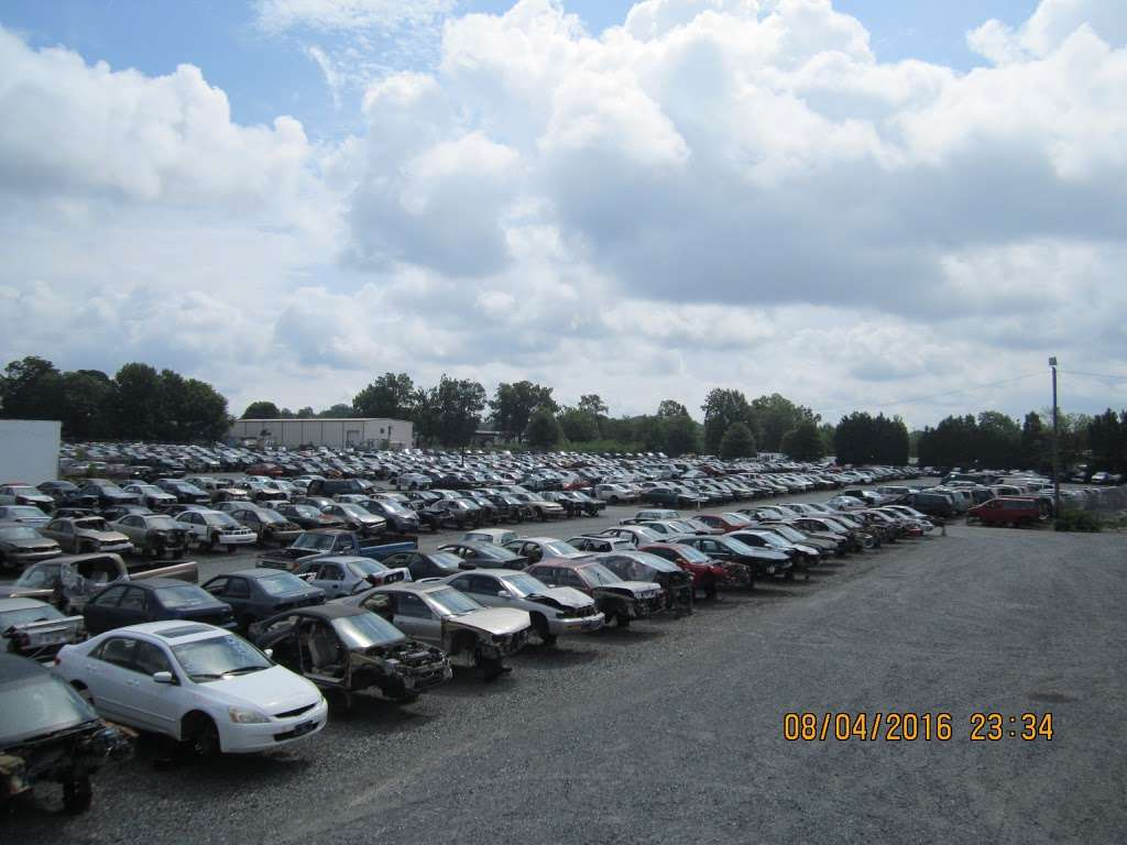 S&R Auto and Truck Salvage - car repair  | Photo 8 of 10 | Address: 1420 W Craighead Rd, Charlotte, NC 28206, USA | Phone: (704) 597-1085
