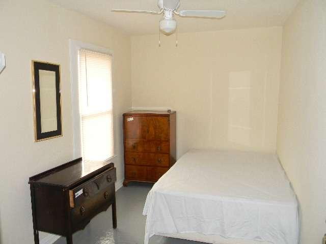 Sherman Rooming House - lodging  | Photo 2 of 10 | Address: 7026 Sherman St, Houston, TX 77011, USA | Phone: (713) 926-9551
