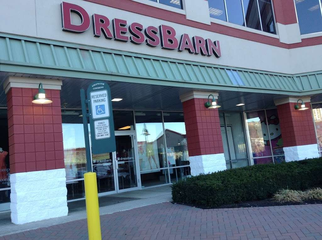 dressbarn - clothing store  | Photo 2 of 10 | Address: 513 River Rd, Edgewater, NJ 07020, USA | Phone: (201) 943-5885