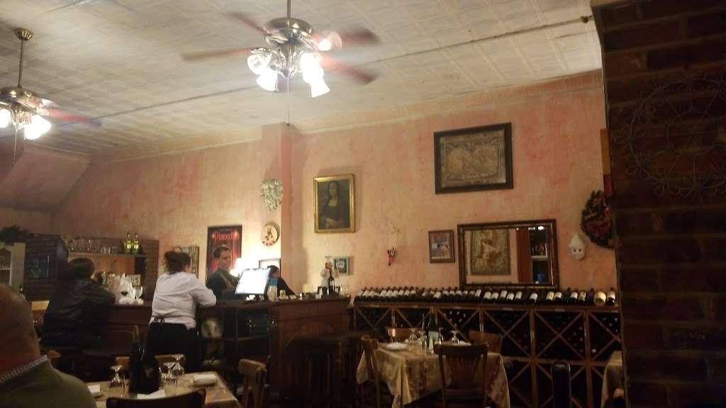 Pinocchios Italian Restaurant and Wine Store - restaurant  | Photo 9 of 10 | Address: 518 Salisbury Ave, Spencer, NC 28159, USA | Phone: (704) 636-8891