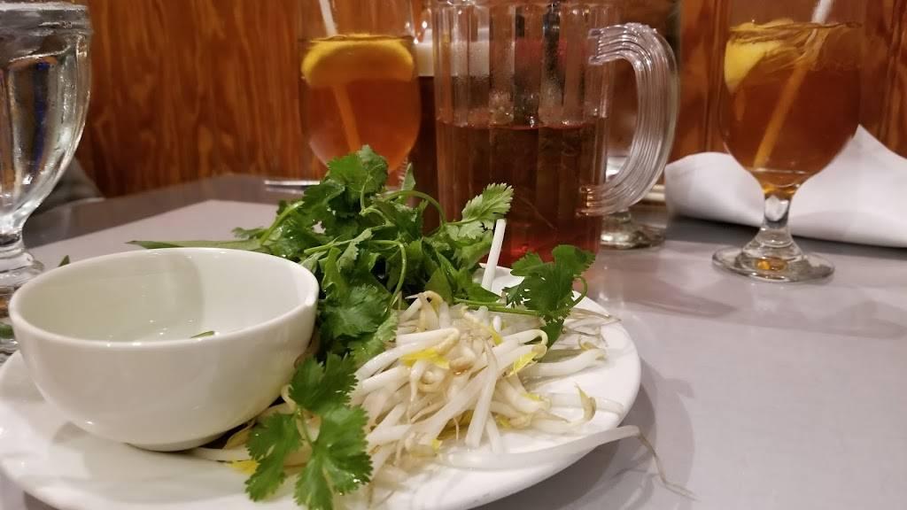Lang Van Vietnamese Restaurant - restaurant  | Photo 10 of 10 | Address: 3019 Shamrock Dr, Charlotte, NC 28215, USA | Phone: (704) 531-9525