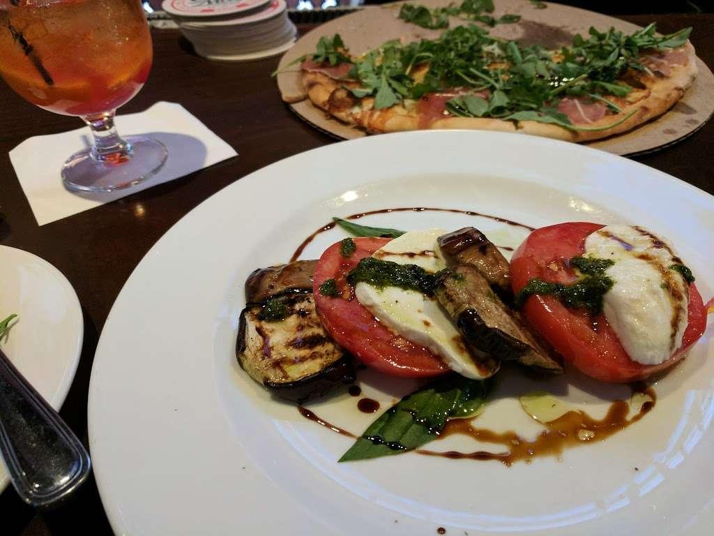 Filomenas Lakeview - restaurant  | Photo 4 of 10 | Address: 1738 Cooper St, Deptford Township, NJ 08096, USA | Phone: (856) 228-4235