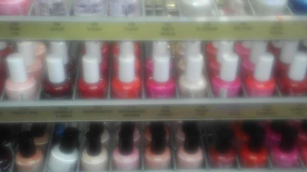 Bijou Beauty Supply - store  | Photo 5 of 10 | Address: Family Dolla Plaza, 1347 Kennedy Blvd, Bayonne, NJ 07002, USA | Phone: (201) 339-9910