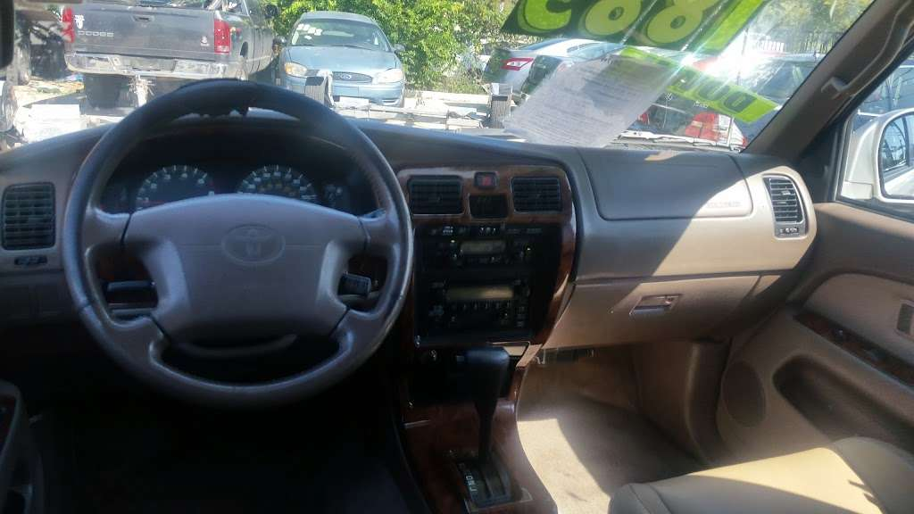 Race Auto Sales - car dealer  | Photo 10 of 10 | Address: 2027 Rigsby Ave, San Antonio, TX 78210, USA | Phone: (713) 319-5692