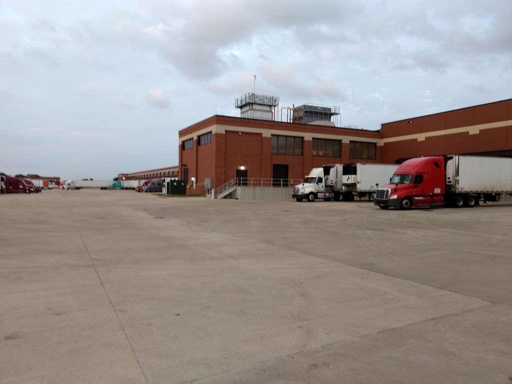 ALDI Distribution Center - storage    Photo 3 of 9   Address: 9342 South 13th Street, Oak Creek, WI 53154, USA   Phone: (414) 570-1860