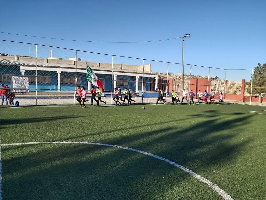 Escuela de Futbol FC JUAREZ BRAVOS filial Cd.Juarez - school    Photo 1 of 4   Address: 16 de Septiembre, 32210 Cd Juárez, Chih., Mexico   Phone: 656 430 2017