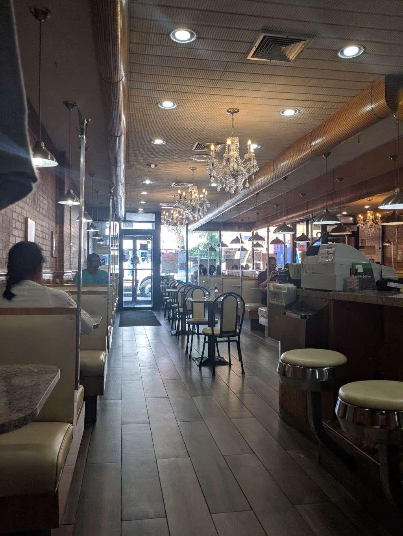 Rego Park Cafe - cafe  | Photo 1 of 10 | Address: 9414 63rd Dr, Flushing, NY 11374, USA | Phone: (718) 459-2233