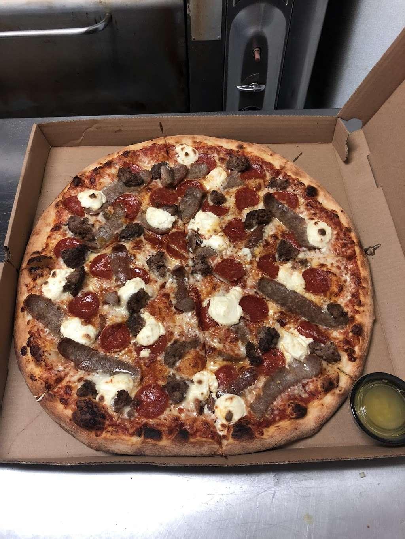 Faunts Pizza - restaurant  | Photo 4 of 10 | Address: 200 Washington St, Peabody, MA 01960, USA | Phone: (978) 531-0992