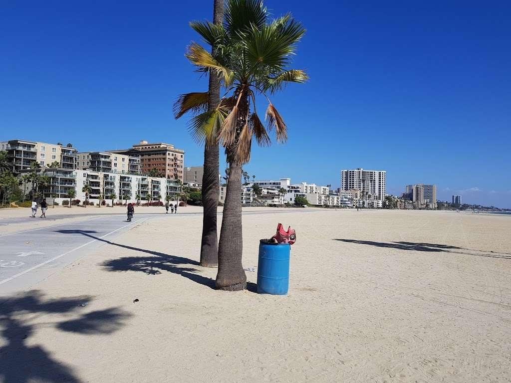 380 E Shoreline Dr Parking - parking  | Photo 10 of 10 | Address: 380E E Shoreline Dr, Long Beach, CA 90802, USA