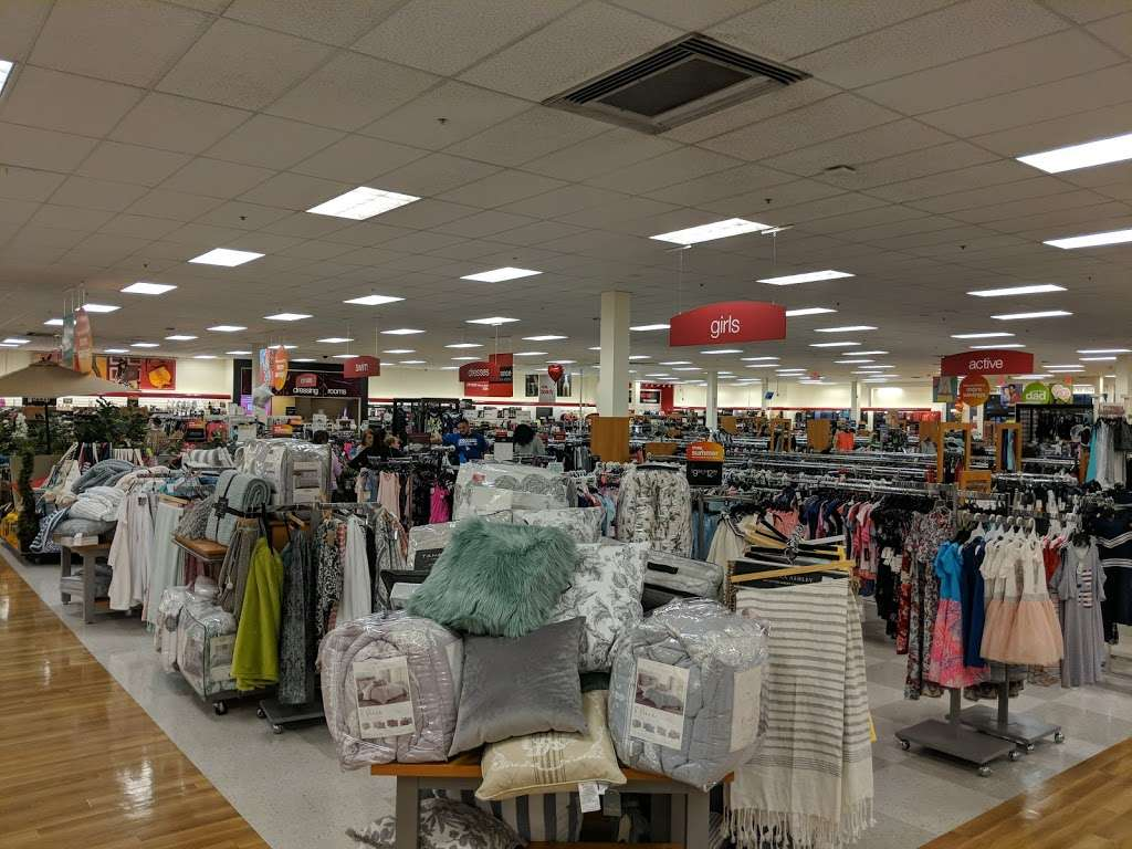 T.J. Maxx - department store  | Photo 8 of 10 | Address: 1401 Hawthorne Blvd, Redondo Beach, CA 90278, USA | Phone: (310) 214-3212