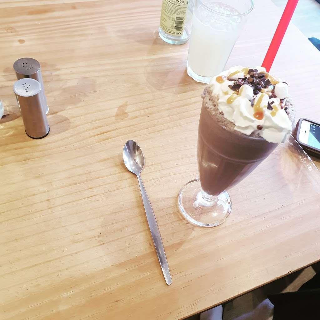 Jess and the beanstalk - cafe  | Photo 5 of 10 | Address: 19Manor, Green road, Epsom KT19 8RA, UK | Phone: 01372 877071