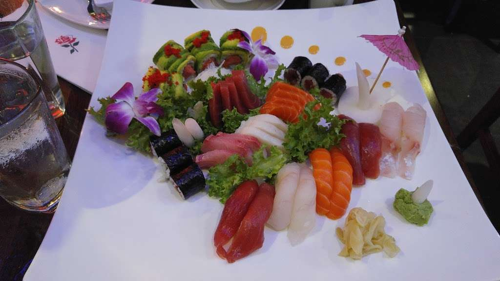 Fuji East Japanese Bistro - restaurant  | Photo 7 of 10 | Address: 455 Main St, New York, NY 10044, USA | Phone: (212) 583-1688