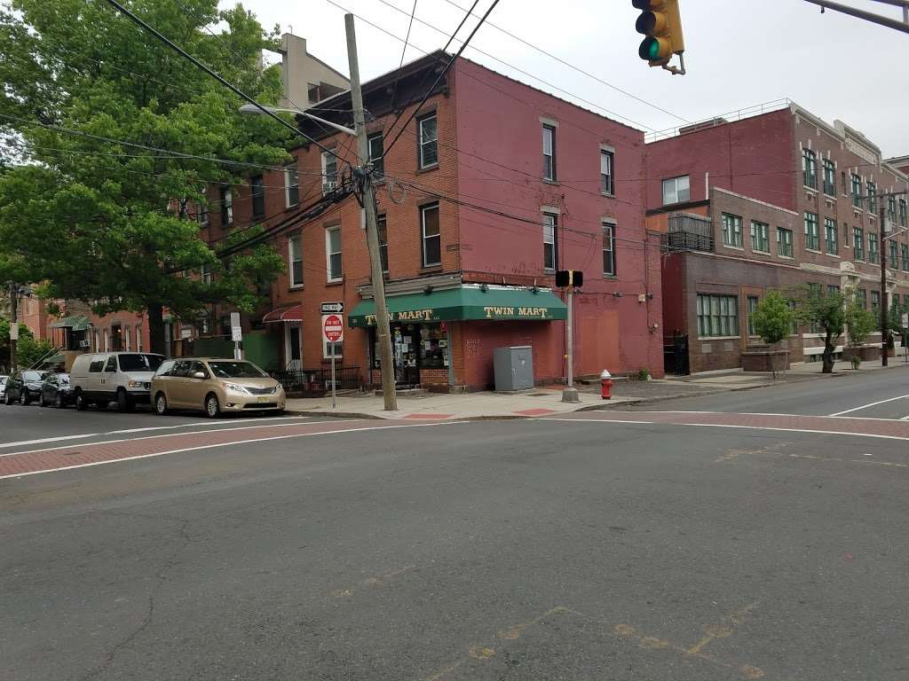 Twin Mart - convenience store    Photo 2 of 3   Address: 226 9th St, Jersey City, NJ 07302, USA   Phone: (201) 884-0173