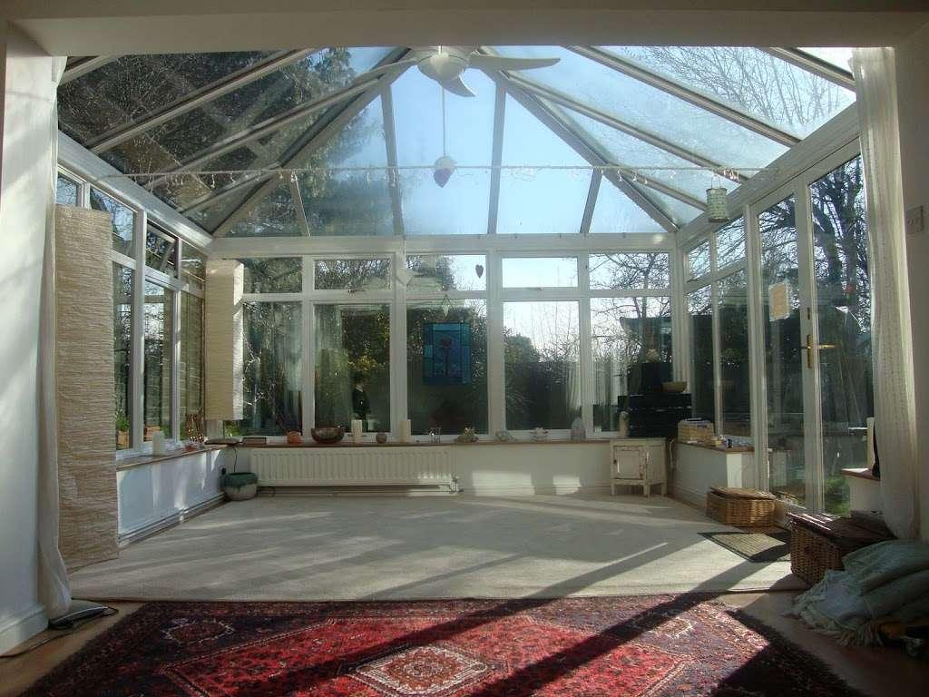 Mark Swan, Mardon House Healing Centre - gym    Photo 2 of 7   Address: Mardon House Healing Centre, Pinesfield Ln, West Malling ME19 5EN, UK   Phone: 01732 823811