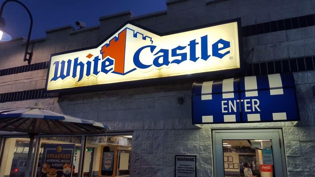White Castle - restaurant  | Photo 4 of 10 | Address: 2701 Boston Rd, Bronx, NY 10467, USA | Phone: (718) 231-4978