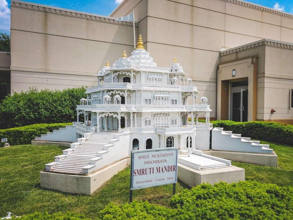 Shree Swaminarayan Temple - hindu temple  | Photo 4 of 10 | Address: 200 Penhorn Ave, Secaucus, NJ 07094, USA | Phone: (201) 325-0510