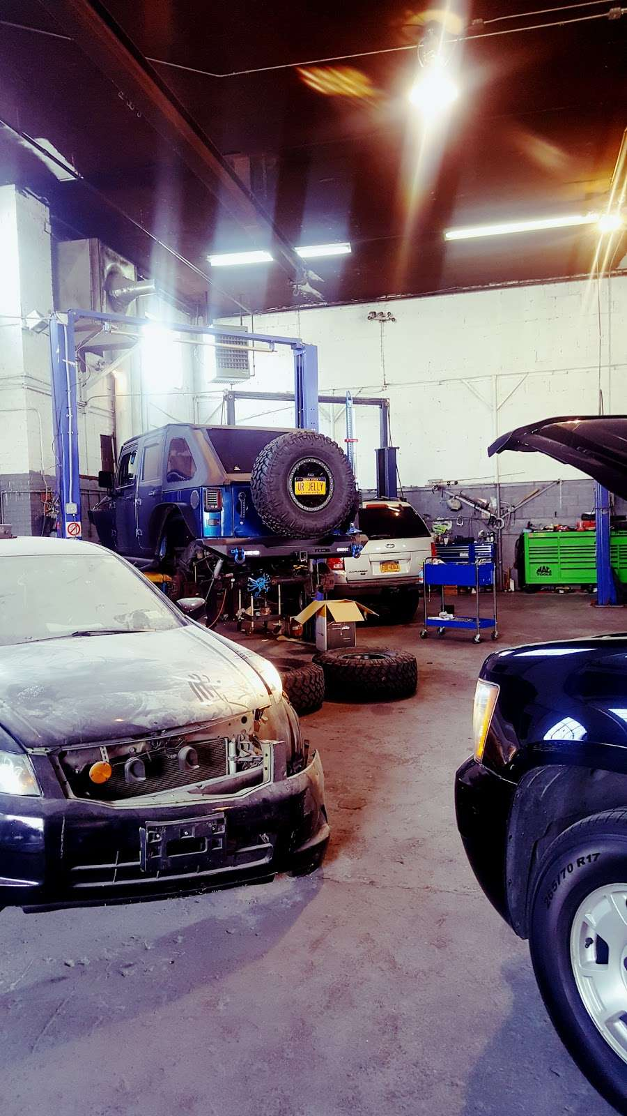 Jose Ordonez Auto Repair and Body Shop - car repair  | Photo 9 of 10 | Address: 88-43 76th Ave, Glendale, NY 11385, USA | Phone: (718) 896-0900