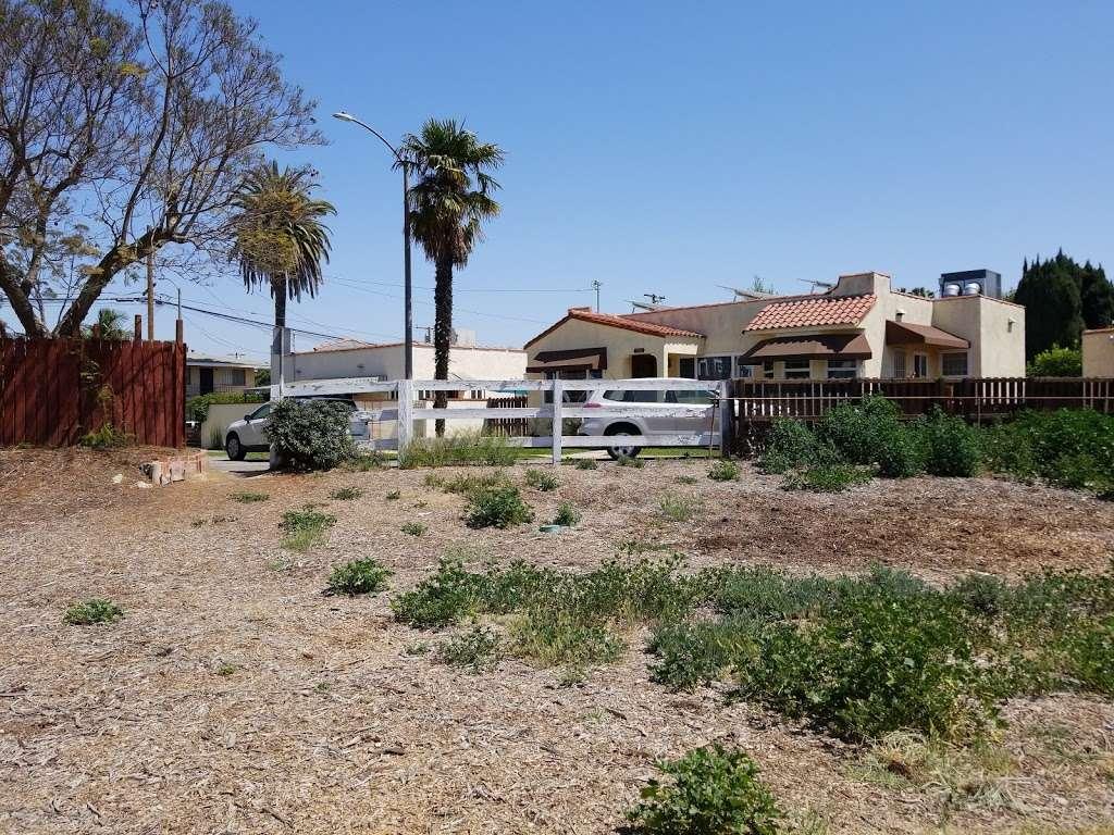 Long Beach Greenbelt - museum    Photo 3 of 10   Address: 799-701 Bennett Ave, Long Beach, CA 90804, USA