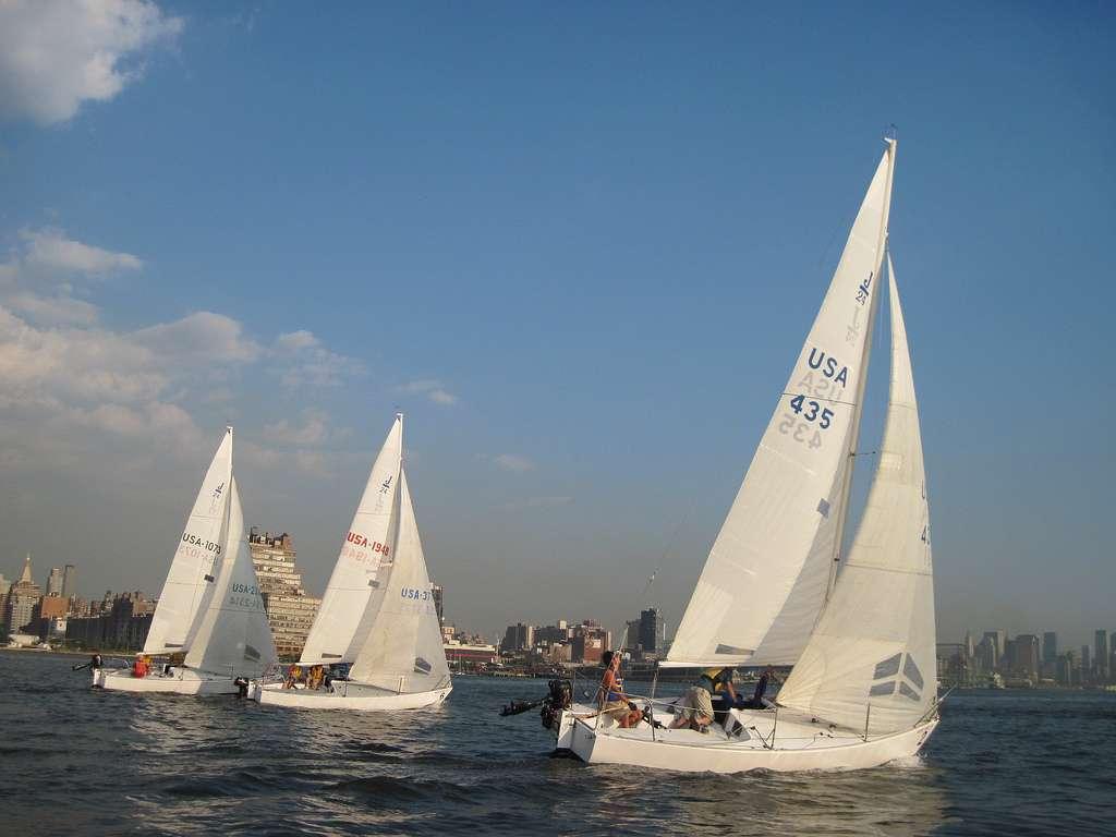 Hudson River Community Sailing - store  | Photo 3 of 10 | Address: 207 12th Ave, New York, NY 10001, USA | Phone: (212) 924-1920