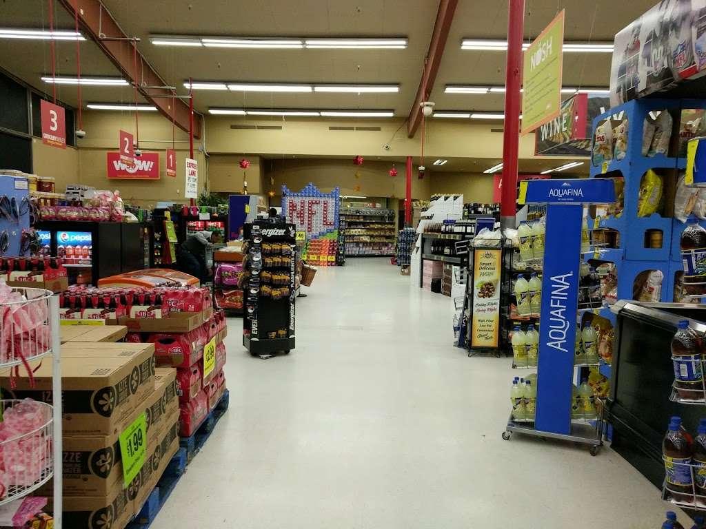 Grocery Outlet Bargain Market - supermarket    Photo 2 of 10   Address: 2900 Broadway, Oakland, CA 94611, USA   Phone: (510) 465-5649