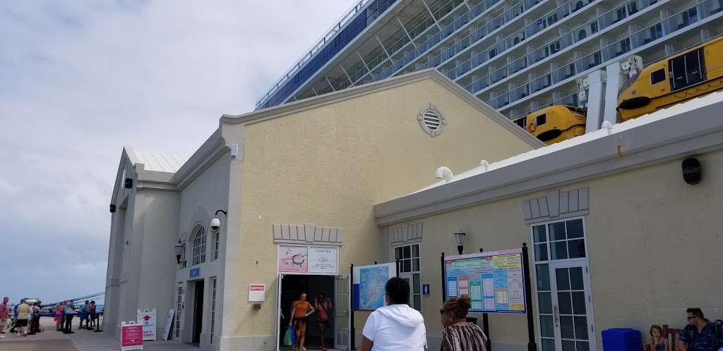 Anthem Of The Seas - lodging  | Photo 6 of 10 | Address: Cape Liberty Cruise Port, 4 Port Terminal Blvd, Bayonne, NJ 07002, USA