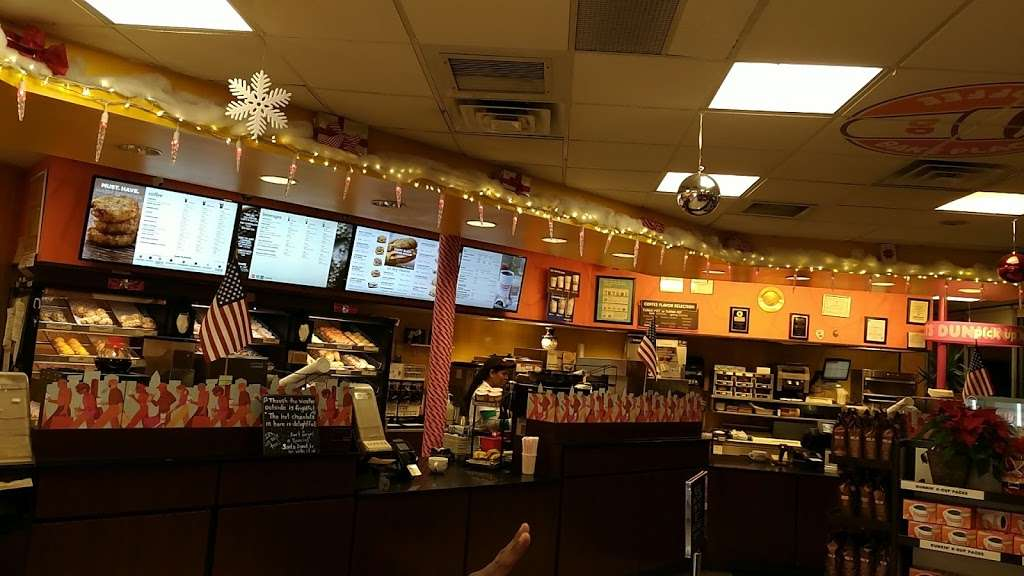 Dunkin Donuts - cafe  | Photo 3 of 10 | Address: 25420 Hillside Avenue, Queens, NY 11004, USA | Phone: (718) 470-9245