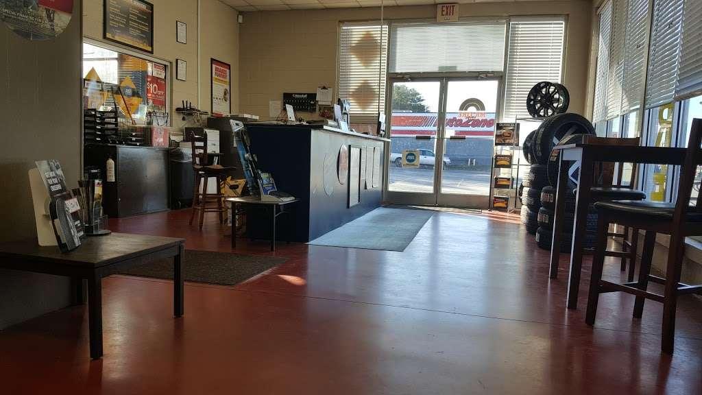 Mr. Tire Auto Service Centers - car repair  | Photo 2 of 10 | Address: 2323 Northwest Blvd, Newton, NC 28658, USA | Phone: (828) 355-1146