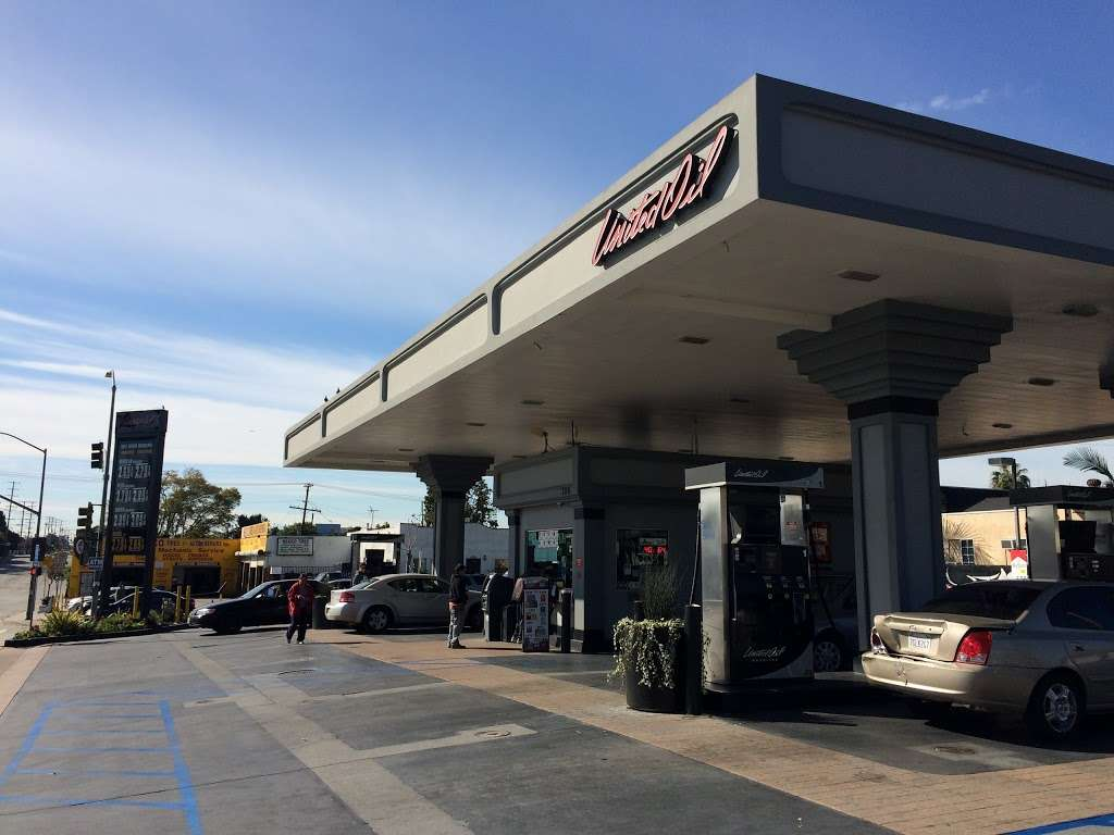United Oil - gas station  | Photo 1 of 10 | Address: 705 N Eastern Ave, Los Angeles, CA 90063, USA | Phone: (800) 429-0702