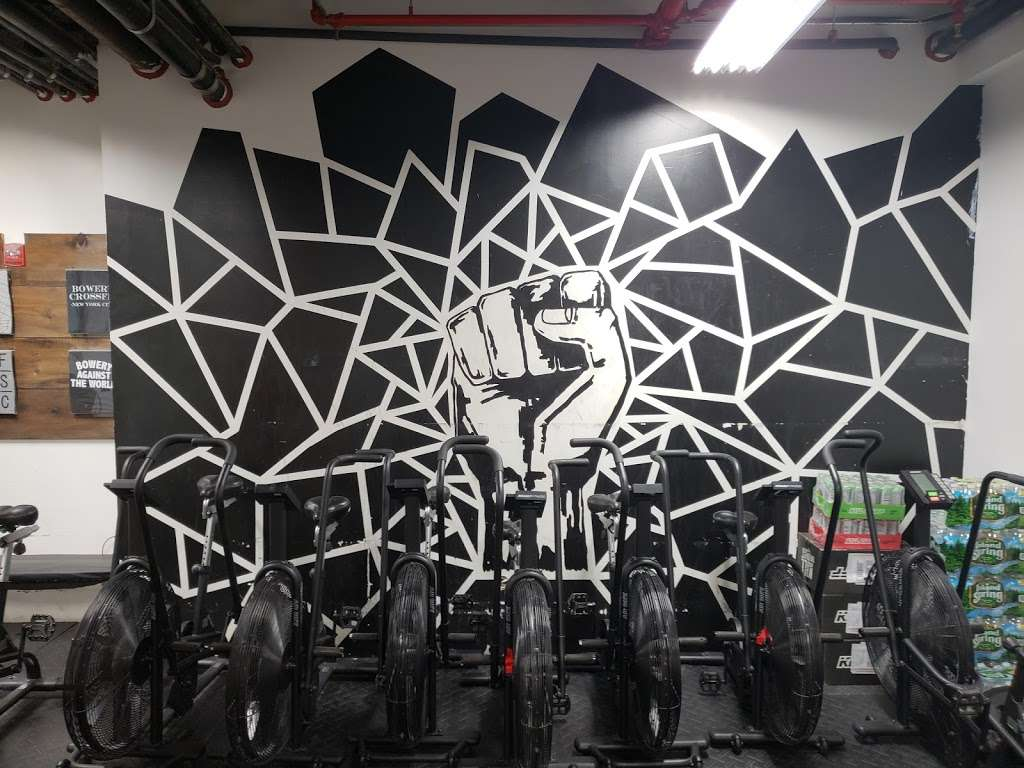 Bowery CrossFit - gym  | Photo 7 of 10 | Address: 285 Grand St, New York, NY 10002, USA | Phone: (516) 725-5032