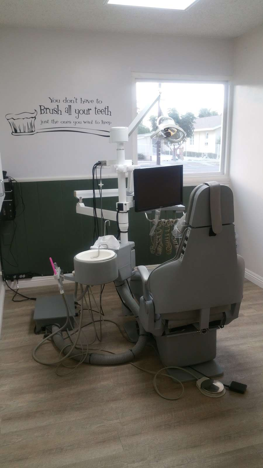 Kilzi Dental Corp - dentist    Photo 5 of 6   Address: B, 4455, 1113, S Main St, Corona, CA 92882, USA   Phone: (951) 739-0752