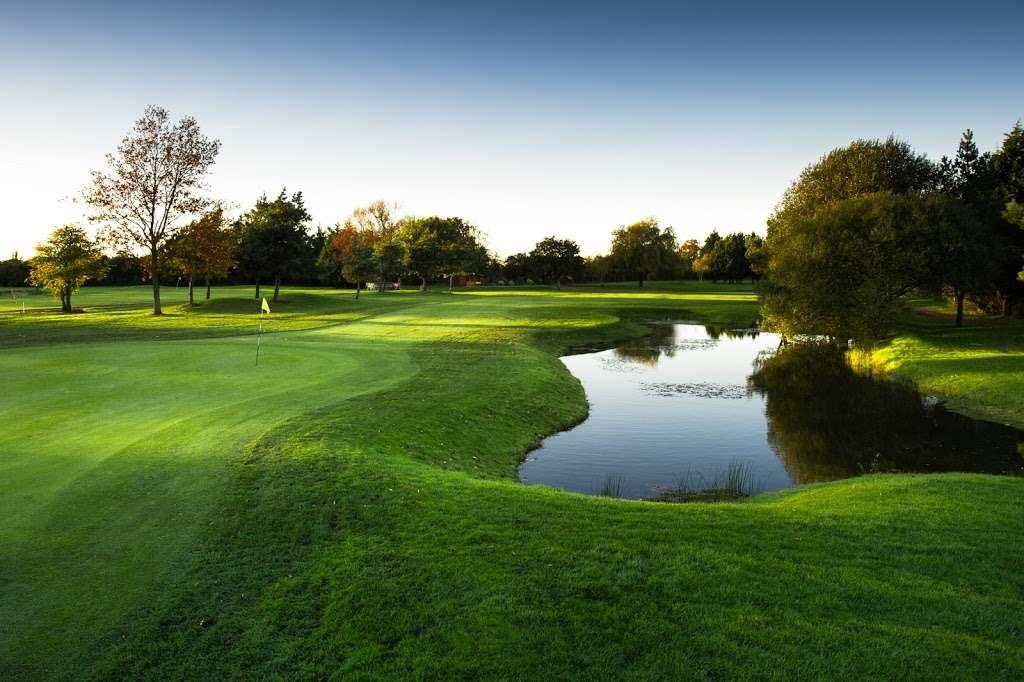 Stapleford Abbotts Golf Club - health    Photo 9 of 10   Address: Horsemanside, Tysea Hill, Romford RM4 1JU, UK   Phone: 01708 381108
