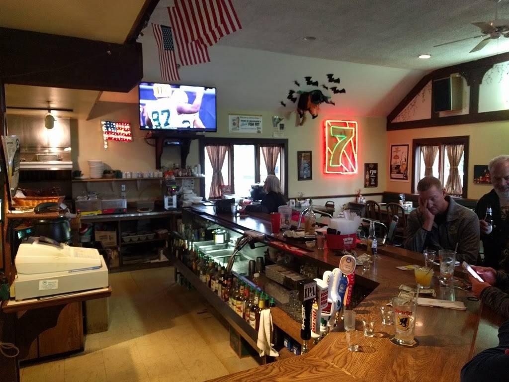 Green 7 - restaurant  | Photo 5 of 10 | Address: 6191 N Green Bay Ave, Milwaukee, WI 53209, USA | Phone: (414) 228-9963