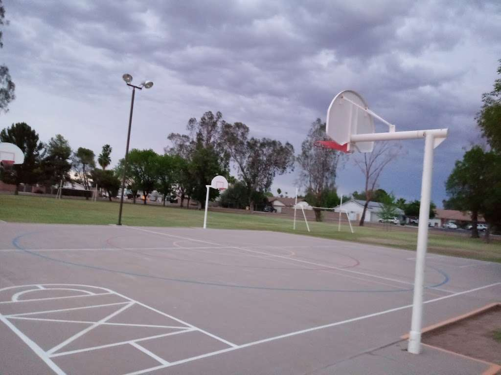 Crismon Elementary School - school  | Photo 7 of 10 | Address: 825 W Medina Ave, Mesa, AZ 85210, USA | Phone: (480) 472-4000