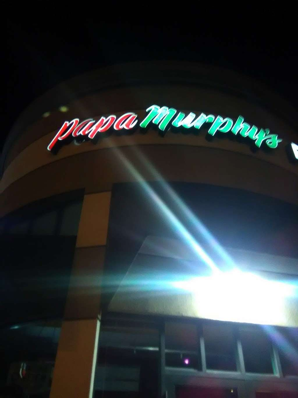 Papa Murphys Take N Bake Pizza - meal takeaway  | Photo 8 of 9 | Address: 965 Lakeville St Suite C8, Petaluma, CA 94952, USA | Phone: (707) 765-1011