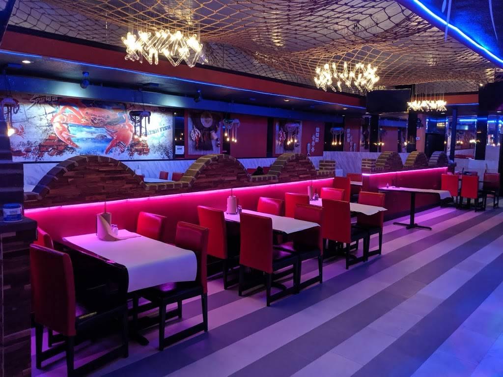 Mr. Q Crabhouse - restaurant    Photo 2 of 9   Address: 4221 N State Rd 7, Hollywood, FL 33021, USA   Phone: (954) 391-8879