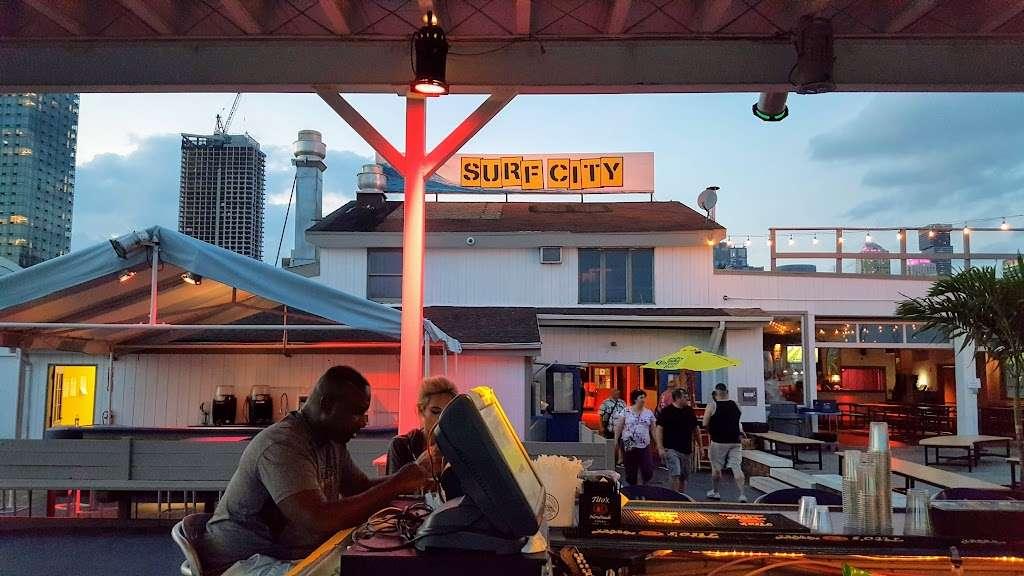 Surf City - restaurant  | Photo 3 of 10 | Address: 1 Marin Blvd, Jersey City, NJ 07302, USA | Phone: (201) 516-9000