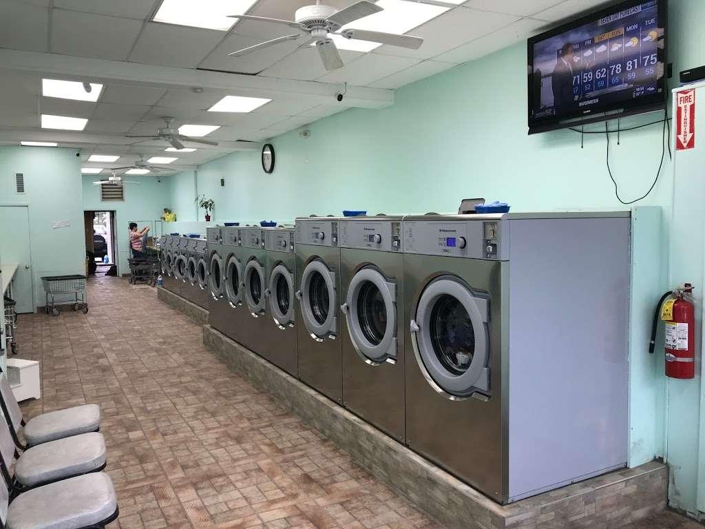 Waldwick Laundromat - laundry  | Photo 1 of 2 | Address: 24 E Prospect St, Waldwick, NJ 07463, USA | Phone: (201) 995-3035