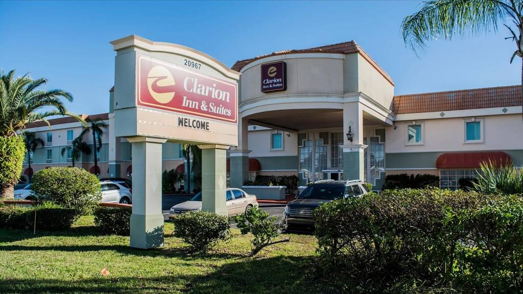 Clarion Inn & Suites Clearwater Central - lodging    Photo 8 of 8   Address: 20967 US Hwy 19 N, Clearwater, FL 33765, USA   Phone: (727) 799-1181