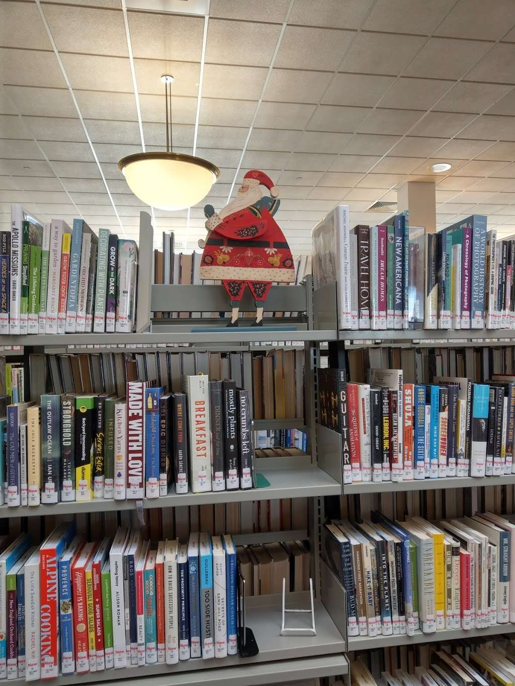 Leach Public Library - library  | Photo 8 of 10 | Address: 276 Mammoth Rd, Londonderry, NH 03053, USA | Phone: (603) 432-1132