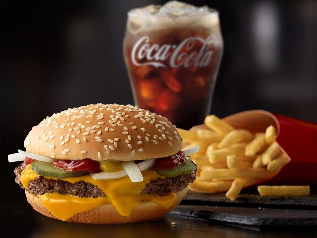 McDonalds - cafe  | Photo 10 of 10 | Address: 5140 W Washington St, Indianapolis, IN 46241, USA | Phone: (317) 241-0136