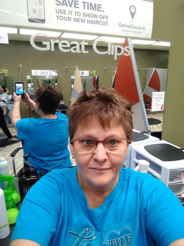 Great Clips - hair care  | Photo 4 of 7 | Address: 850 Jake Alexander Blvd W Ste W, Salisbury, NC 28147, USA | Phone: (704) 630-0002