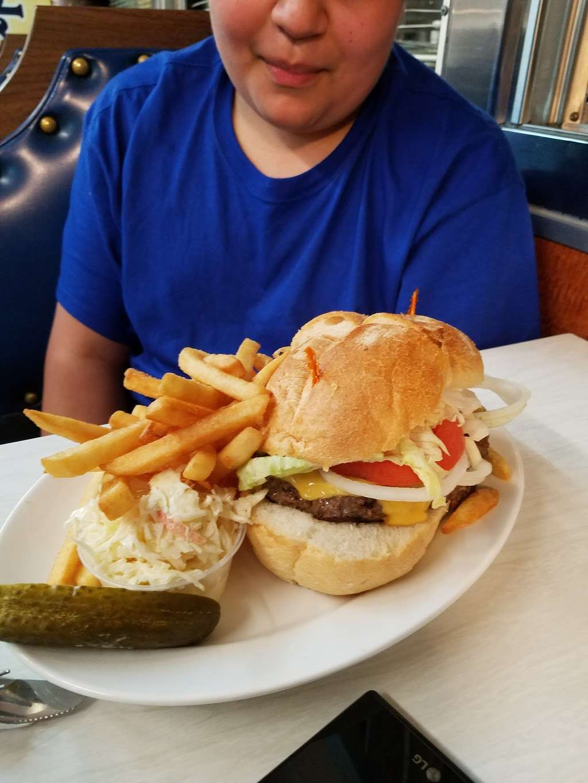 Truck Stop Diner - restaurant  | Photo 4 of 10 | Address: 1 Hackensack Ave, Kearny, NJ 07032, USA | Phone: (973) 344-4098