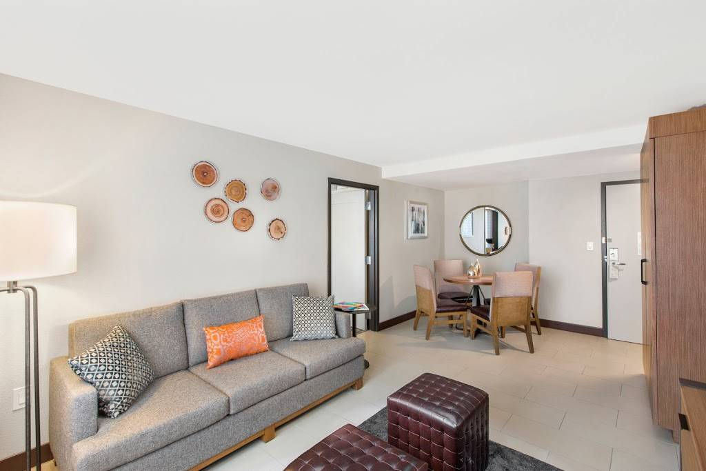 DoubleTree by Hilton San Antonio Northwest - lodging  | Photo 5 of 10 | Address: 6809 N Loop 1604 W, San Antonio, TX 78249, USA | Phone: (210) 690-0300