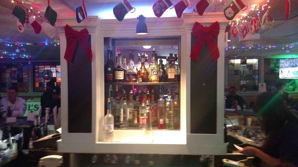 Pauls Bar & Bowling - bowling alley  | Photo 5 of 10 | Address: 377 Crooks Ave, Paterson, NJ 07503, USA | Phone: (973) 278-1982