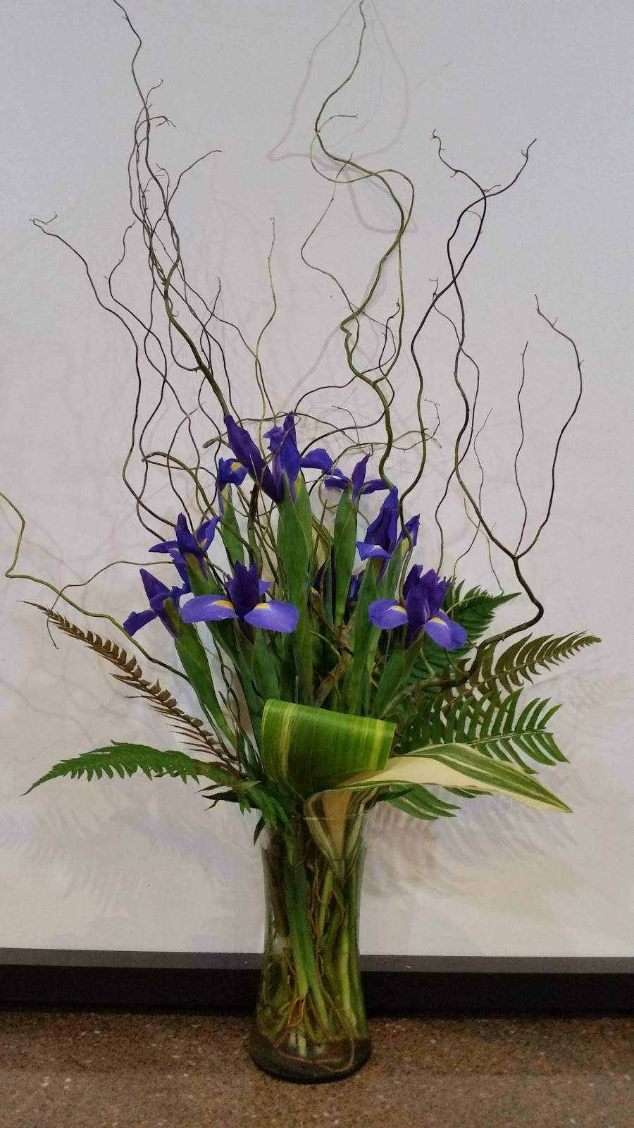 Hummingbird Floral & Gifts - florist  | Photo 7 of 9 | Address: 4001 Rice St, Shoreview, MN 55126, USA | Phone: (651) 486-0403
