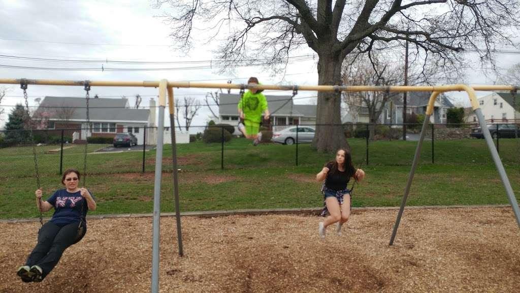 Stephen J Capestro Park - park  | Photo 6 of 10 | Address: 337 Grandview Ave, Edison, NJ 08837, USA | Phone: (732) 745-3900